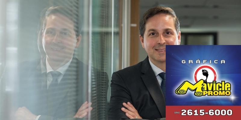 A Novartis anuncia seu novo CEO da companhia no Brasil   Guia da Farmácia   Imã de geladeira e Gráfica Mavicle Promo