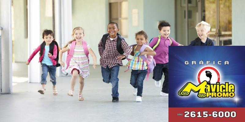 Consulte as doenças da pele, cabelo e unhas comuns em crianças pós férias   Imã de geladeira e Gráfica Mavicle Promo