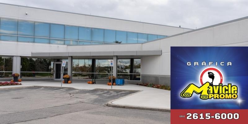 Alcon conclui separação de Novartis e torna se uma empresa independente   Imã de geladeira e Gráfica Mavicle Promo