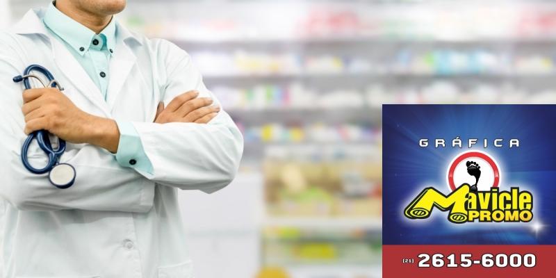 Médicos cubanos em farmácias pelo Brasil. Qual a sua opinião?   Imã de geladeira e Gráfica Mavicle Promo